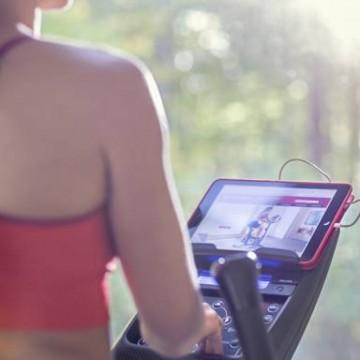 Bicicleta eliptica FITNESS SCHWINN 570E, Ecran LCD, USB, Bluetooth, Greutate utilizator 136 Kg. Poza 3